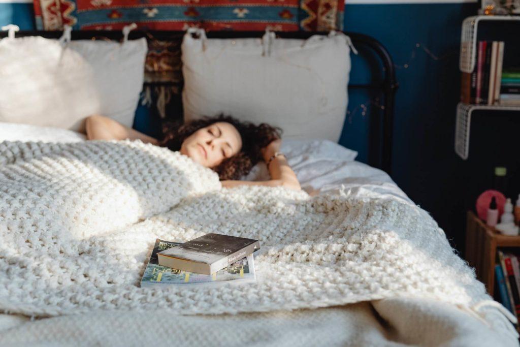Lesen hilft dir beim Einschlafen - Warum lesen wichtig ist